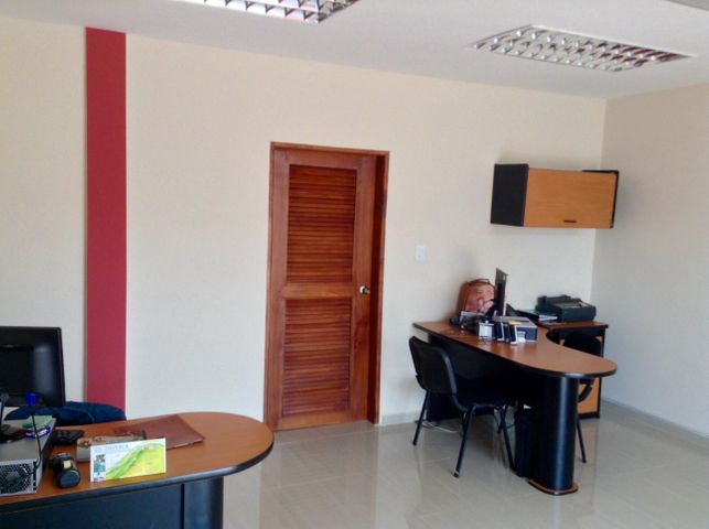 Galpon - Deposito Zulia>Ciudad Ojeda>Las Morochas - Alquiler:3.000 Precio Referencial - codigo: 18-13857
