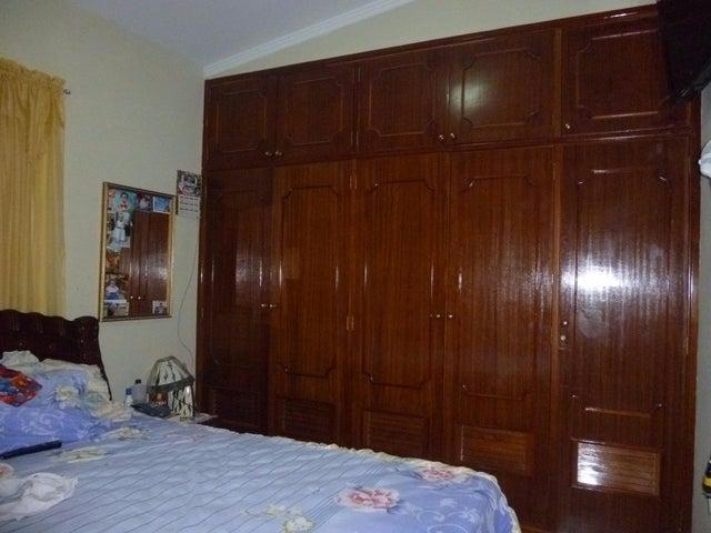 Local Comercial Zulia>Cabimas>Ambrosio - Venta:60.000 Precio Referencial - codigo: 18-13975