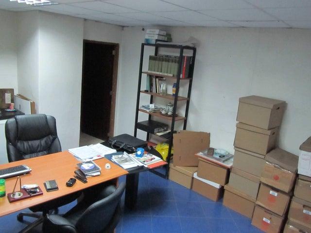 Galpon - Deposito Distrito Metropolitano>Caracas>Petare - Venta:1.000.000 Precio Referencial - codigo: 18-13986