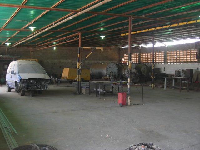 Local Comercial Zulia>Cabimas>Zulia - Alquiler:3.000 Precio Referencial - codigo: 18-13984
