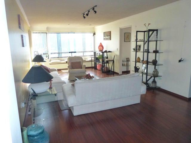 Apartamento Distrito Metropolitano>Caracas>El Cigarral - Venta:70.000 Precio Referencial - codigo: 18-14135