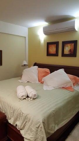 Casa Distrito Metropolitano>Caracas>Colinas de Santa Monica - Venta:400.000 Precio Referencial - codigo: 18-14144