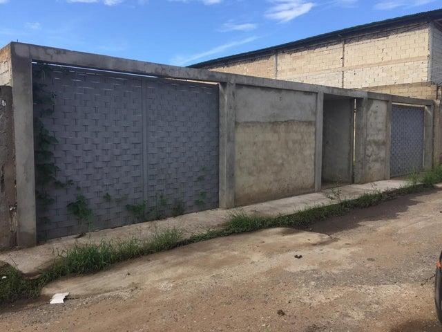 Terreno Anzoategui>Anaco>Sector Prados del Este - Venta:50.000 Precio Referencial - codigo: 18-14174