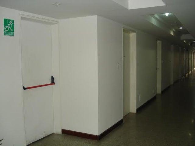 Apartamento Distrito Metropolitano>Caracas>La Boyera - Venta:60.000 Precio Referencial - codigo: 18-14229