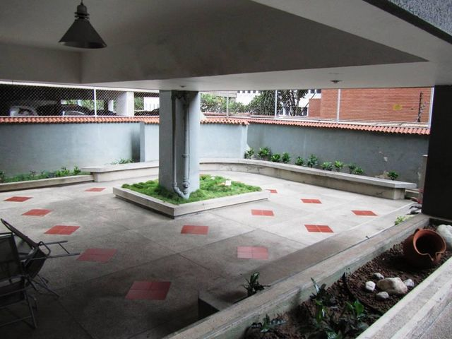 Apartamento Distrito Metropolitano>Caracas>Los Palos Grandes - Venta:110.000 Precio Referencial - codigo: 18-14239