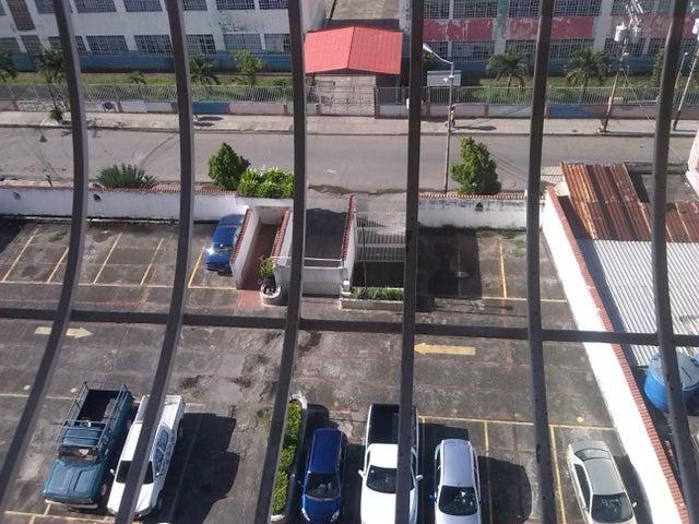 Apartamento Miranda>Charallave>Centro de Charallave - Venta:21.000 Precio Referencial - codigo: 18-14247