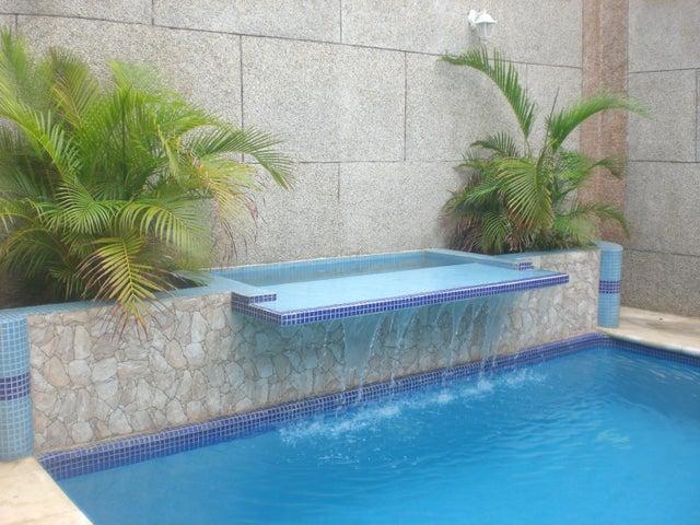 Casa Vargas>Parroquia Caraballeda>Los Corales - Venta:210.000 Precio Referencial - codigo: 18-14271