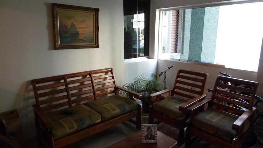 Apartamento Distrito Metropolitano>Caracas>Santa Paula - Venta:110.000 Precio Referencial - codigo: 18-14307