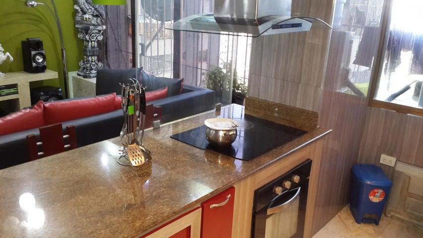 Apartamento Distrito Metropolitano>Caracas>El Paraiso - Venta:27.900 Precio Referencial - codigo: 18-14370