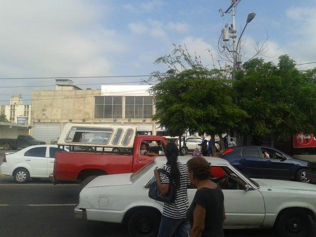 Local Comercial Zulia>Ciudad Ojeda>Avenida Bolivar - Alquiler:80 Precio Referencial - codigo: 18-14419