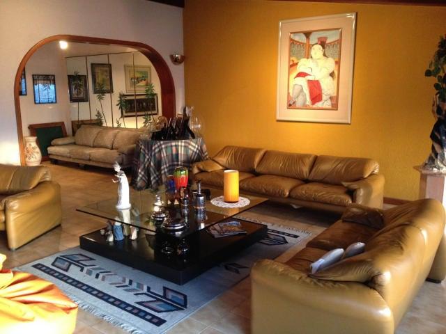 Casa Distrito Metropolitano>Caracas>Colinas de Santa Monica - Venta:250.000 Precio Referencial - codigo: 18-14521