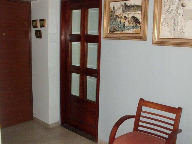 Apartamento Distrito Metropolitano>Caracas>Sebucan - Venta:95.000 Precio Referencial - codigo: 18-14605