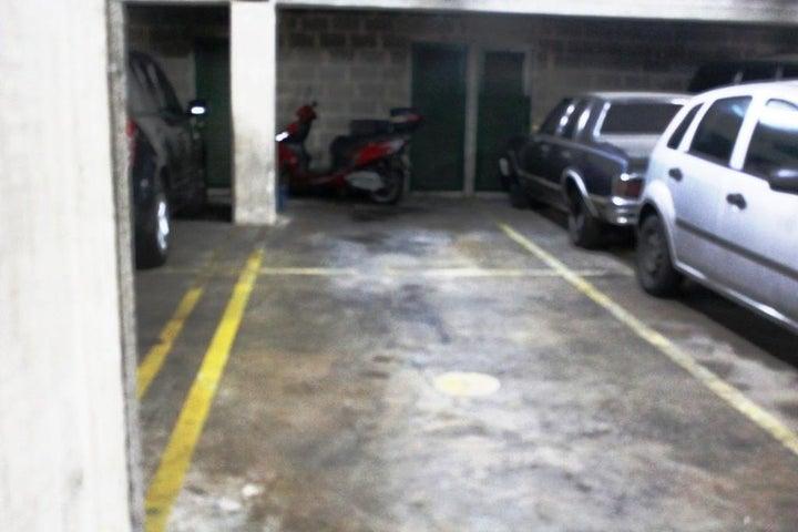 Apartamento Distrito Metropolitano>Caracas>Prados del Este - Venta:68.000 Precio Referencial - codigo: 18-14675