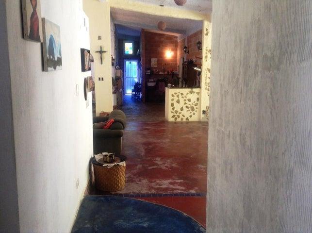 Casa Distrito Metropolitano>Caracas>Oripoto - Venta:120.000 Precio Referencial - codigo: 18-14892