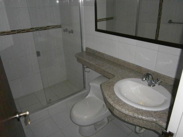 Apartamento Carabobo>Valencia>Los Mangos - Venta:130.629.000 Precio Referencial - codigo: 18-15127