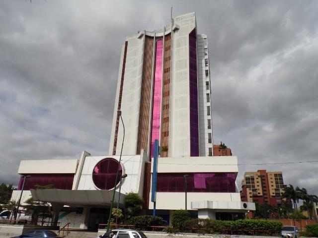Local Comercial Lara>Barquisimeto>Parroquia Santa Rosa - Venta:106.987.000 Precio Referencial - codigo: 18-15111