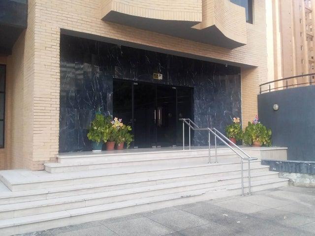 Apartamento Carabobo>Valencia>La Trigaleña - Venta:130.629.000 Precio Referencial - codigo: 18-15120