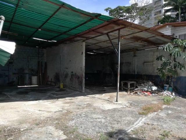 Terreno Distrito Metropolitano>Caracas>El Pedregal - Alquiler:122.000 Precio Referencial - codigo: 18-15121
