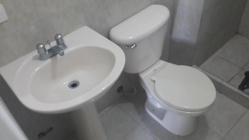 Apartamento Lara>Barquisimeto>Parroquia Concepcion - Venta:6.760.000 Precio Referencial - codigo: 18-15123