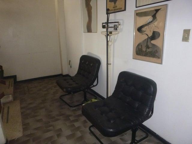 Oficina Distrito Metropolitano>Caracas>La Urbina - Alquiler:581.000 Precio Referencial - codigo: 18-15126