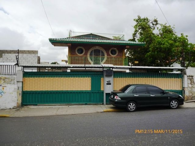 Casa Distrito Metropolitano>Caracas>La Florida - Venta:260.000 Precio Referencial - codigo: 18-15128