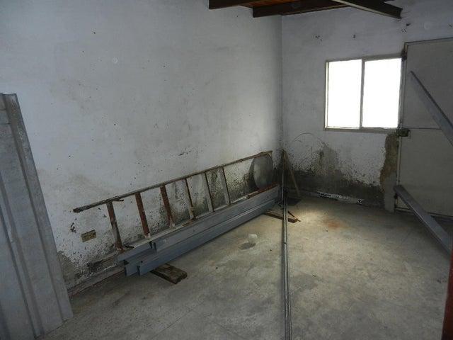 Casa Distrito Metropolitano>Caracas>La California Norte - Venta:120.000 Precio Referencial - codigo: 18-15131