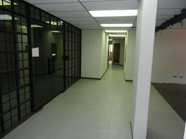 Oficina Distrito Metropolitano>Caracas>El Rosal - Alquiler:3.647.000 Precio Referencial - codigo: 18-15136