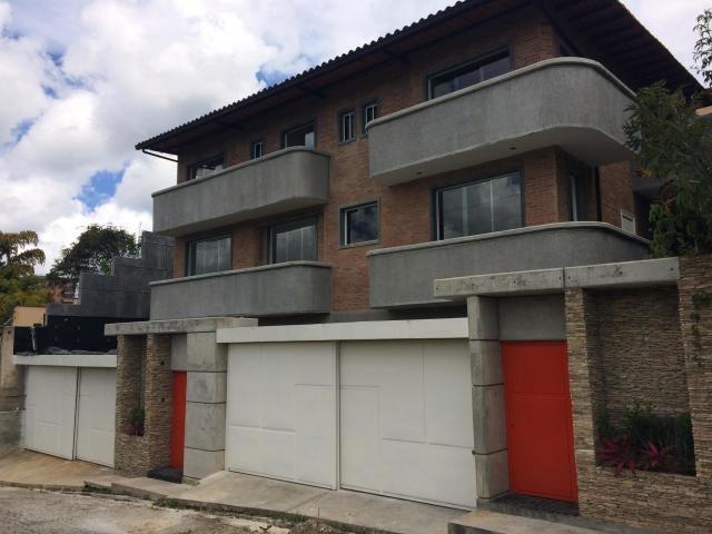 Casa Distrito Metropolitano>Caracas>El Hatillo - Venta:175.000 Precio Referencial - codigo: 18-15464
