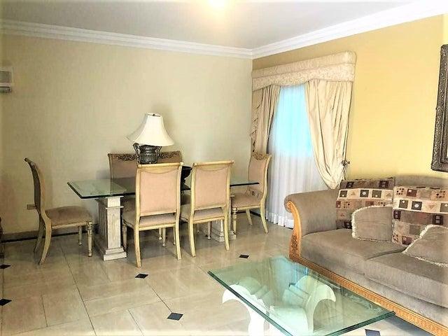 Townhouse Zulia>Ciudad Ojeda>Calle Merida - Alquiler:450 Precio Referencial - codigo: 18-15370