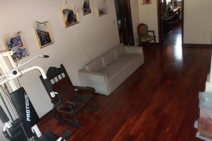 Casa Distrito Metropolitano>Caracas>Prados del Este - Venta:550.000 Precio Referencial - codigo: 21-21869