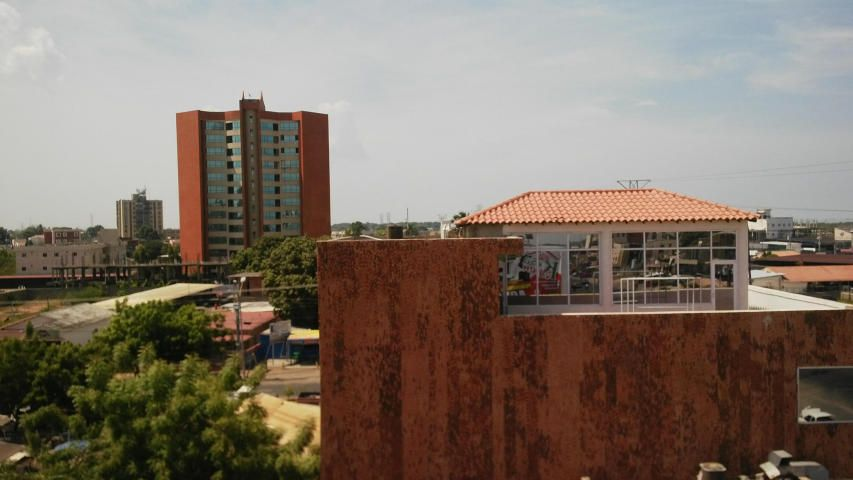 Local Comercial Zulia>Ciudad Ojeda>Cristobal Colon - Alquiler:80 Precio Referencial - codigo: 18-15555