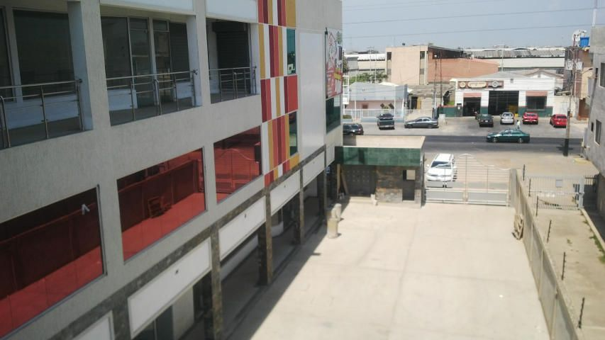 Local Comercial Zulia>Ciudad Ojeda>Cristobal Colon - Alquiler:80 Precio Referencial - codigo: 18-15556