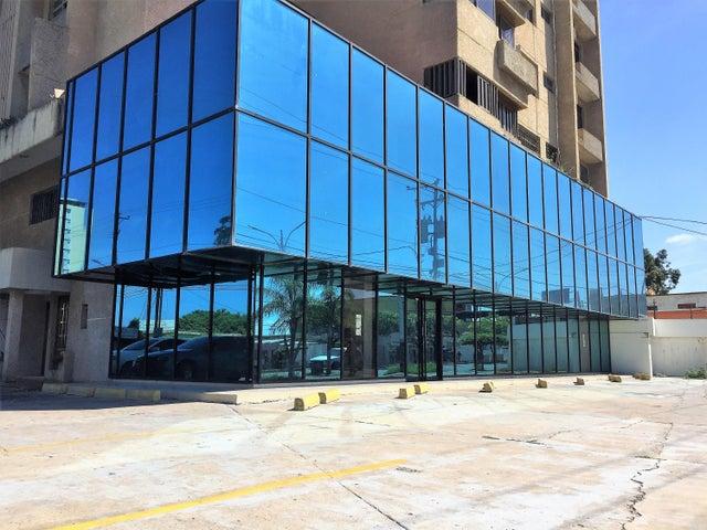 Local Comercial Zulia>Ciudad Ojeda>Plaza Alonso - Alquiler:1.000 Precio Referencial - codigo: 18-15580