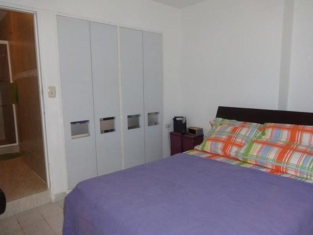 Apartamento Vargas>Parroquia Caraballeda>Tanaguarena - Venta:40.000 Precio Referencial - codigo: 18-15646