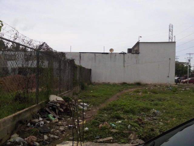 Terreno Zulia>Ciudad Ojeda>Nueva Venezuela - Venta:5.000 Precio Referencial - codigo: 18-15667