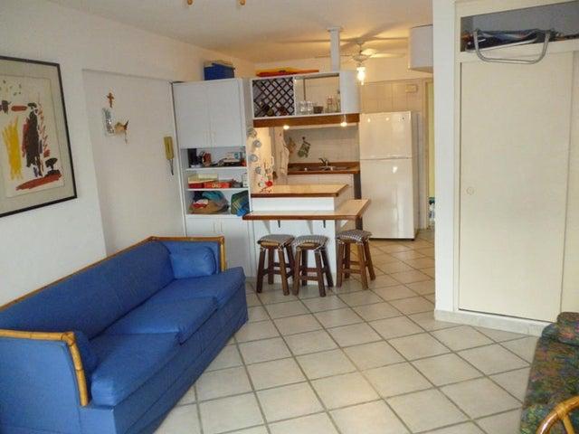 Apartamento Miranda>Rio Chico>Los Canales de Rio Chico - Venta:10.000 Precio Referencial - codigo: 18-15802