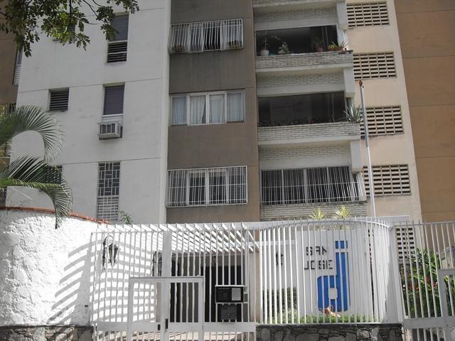 Apartamento Distrito Metropolitano>Caracas>Colinas de La California - Venta:120.000 Precio Referencial - codigo: 18-15807