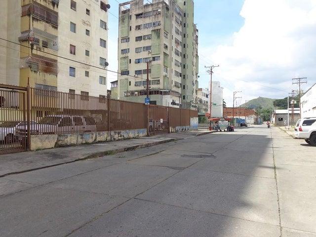 Local Comercial Carabobo>Valencia>La Candelaria - Alquiler:600 Precio Referencial - codigo: 19-4300