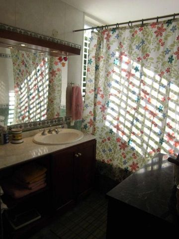Apartamento Distrito Metropolitano>Caracas>La Castellana - Venta:180.000 Precio Referencial - codigo: 18-15837