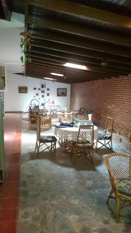 Casa Miranda>San Antonio de los Altos>La Suiza - Venta:100.000 Precio Referencial - codigo: 18-15971