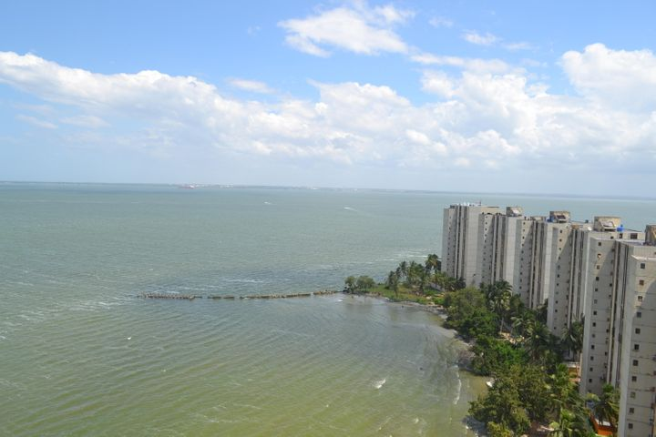 Apartamento Zulia>Maracaibo>Avenida Milagro Norte - Venta:17.500 Precio Referencial - codigo: 18-15993