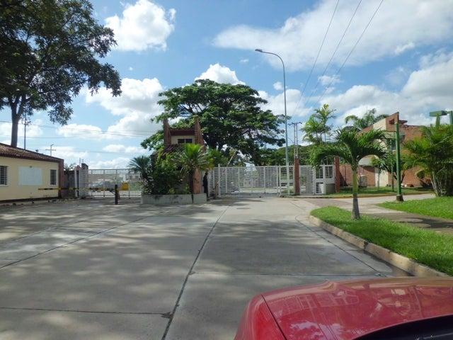 Townhouse Carabobo>Municipio San Diego>Villa Jardin - Venta:14.581.000 Precio Referencial - codigo: 18-16020