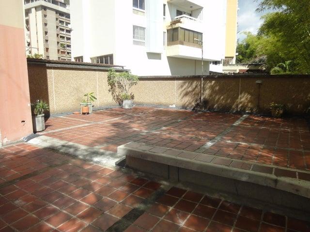 Apartamento Distrito Metropolitano>Caracas>Terrazas del Avila - Venta:65.000 Precio Referencial - codigo: 18-16038