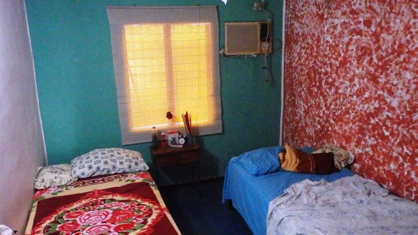 Casa Miranda>Higuerote>Estancia Mar - Venta:35.000 Precio Referencial - codigo: 18-16156