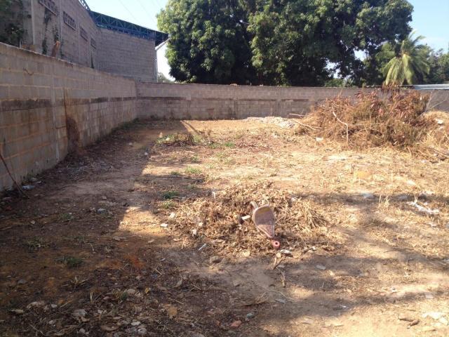 Terreno Zulia>Ciudad Ojeda>Cristobal Colon - Venta:15.000 Precio Referencial - codigo: 18-16523
