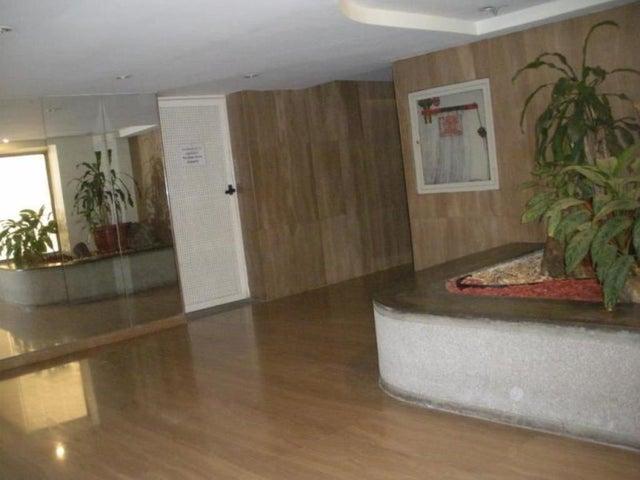 Apartamento Distrito Metropolitano>Caracas>Los Naranjos del Cafetal - Alquiler:400 Precio Referencial - codigo: 18-16062