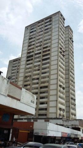 Local Comercial Distrito Metropolitano>Caracas>Los Dos Caminos - Venta:10.000 Precio Referencial - codigo: 18-16422
