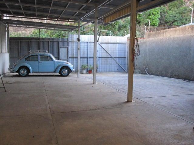 Galpon - Deposito Distrito Metropolitano>Caracas>Colinas de Santa Monica - Venta:50.000 Precio Referencial - codigo: 18-16547