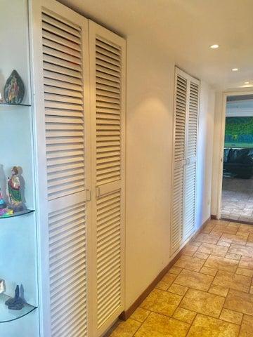 Apartamento Distrito Metropolitano>Caracas>El Marques - Venta:65.000 Precio Referencial - codigo: 18-16654