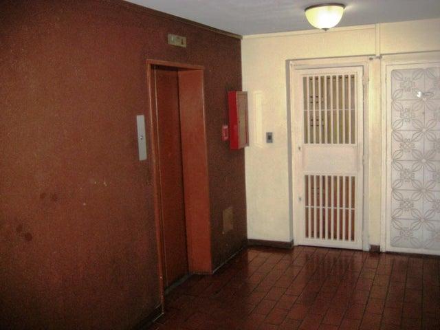 Apartamento Distrito Metropolitano>Caracas>San Jose - Venta:117.258.000 Precio Referencial - codigo: 18-16656